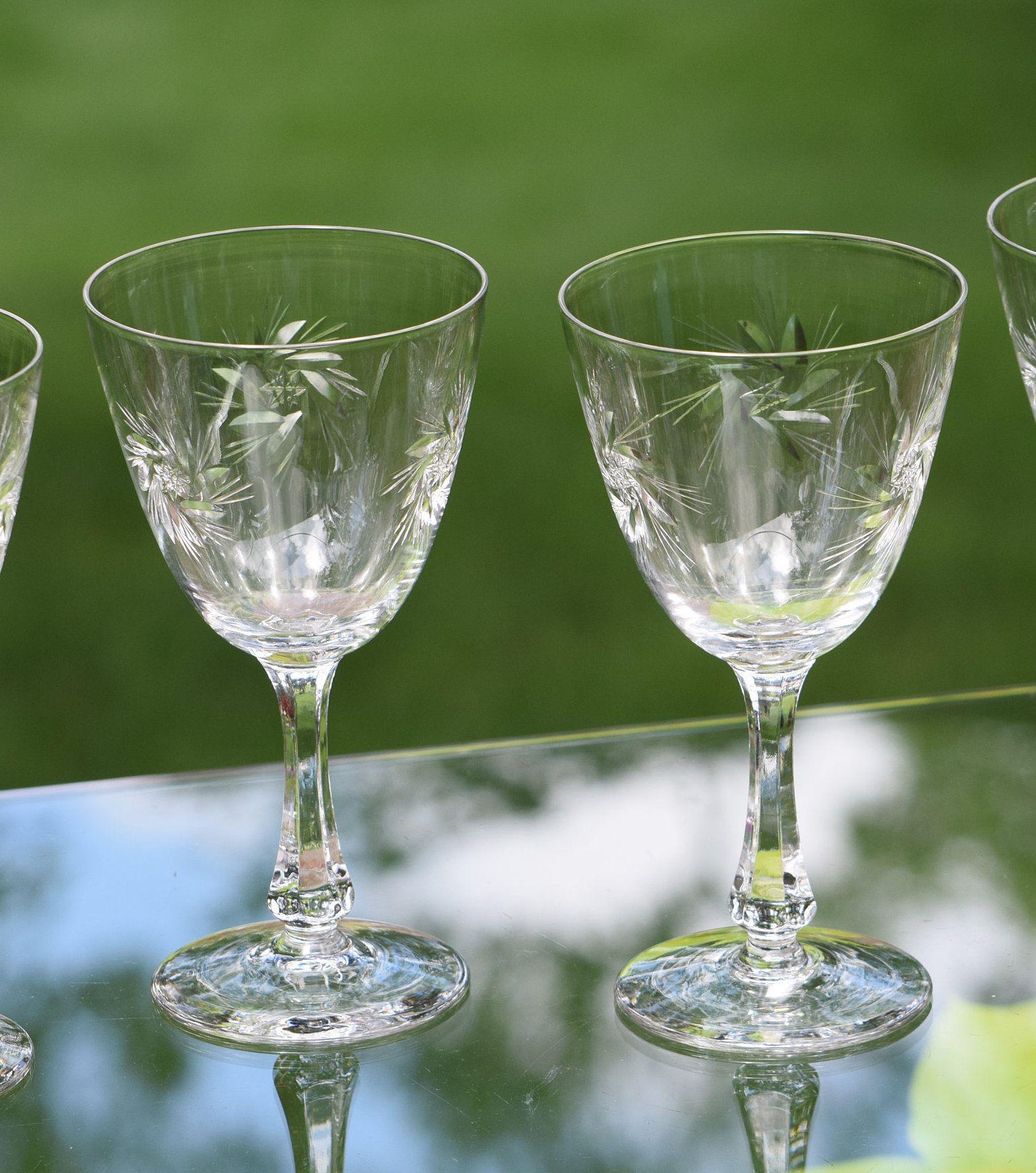 Vintage Crystal Etched Starburst Wine Glasses Set Of 4 Vintage Etched Crystal Water Goblets Wine Party Gla Vintage Crystal Crystal Wine Glasses Wine Parties