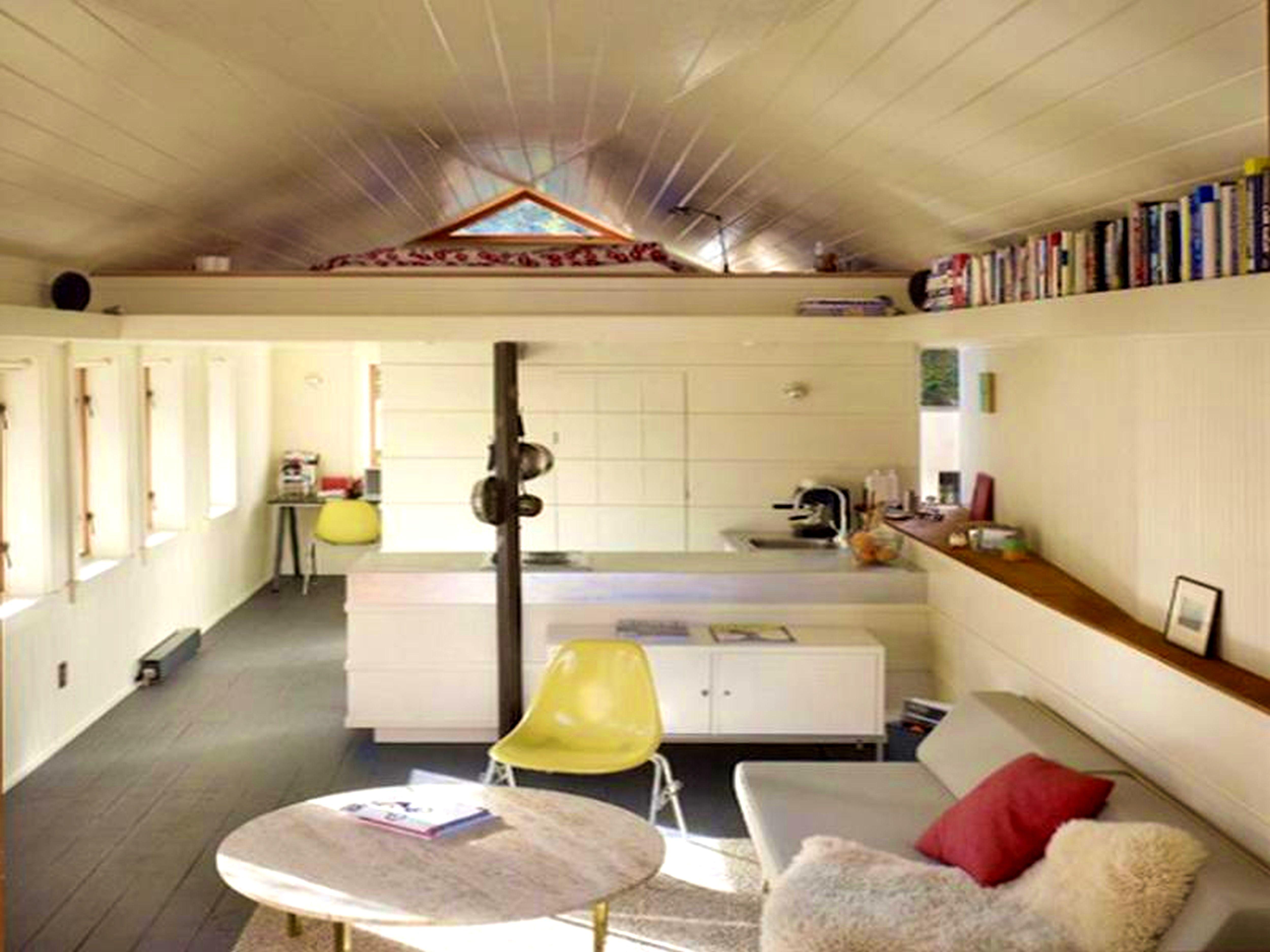 Small Studio Type Interior Design. 17 Best Ideas About