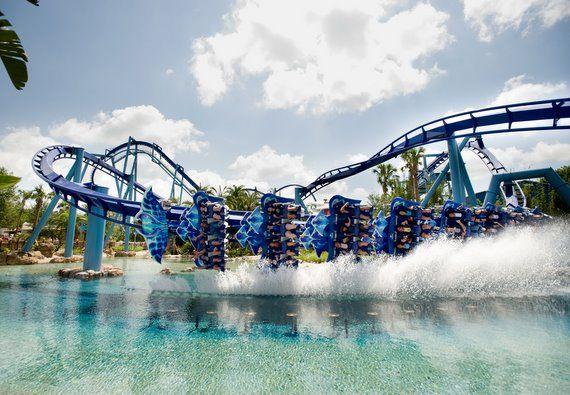 Top 10 Theme Park Logos Spellbrand Sea World Seaworld San Diego Seaworld Orlando