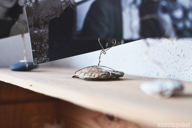 DIY stone and shell picture holder - nadel&gabel