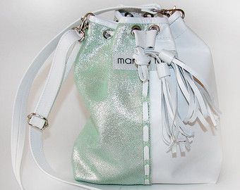 Leatherbag in green-white with glitter