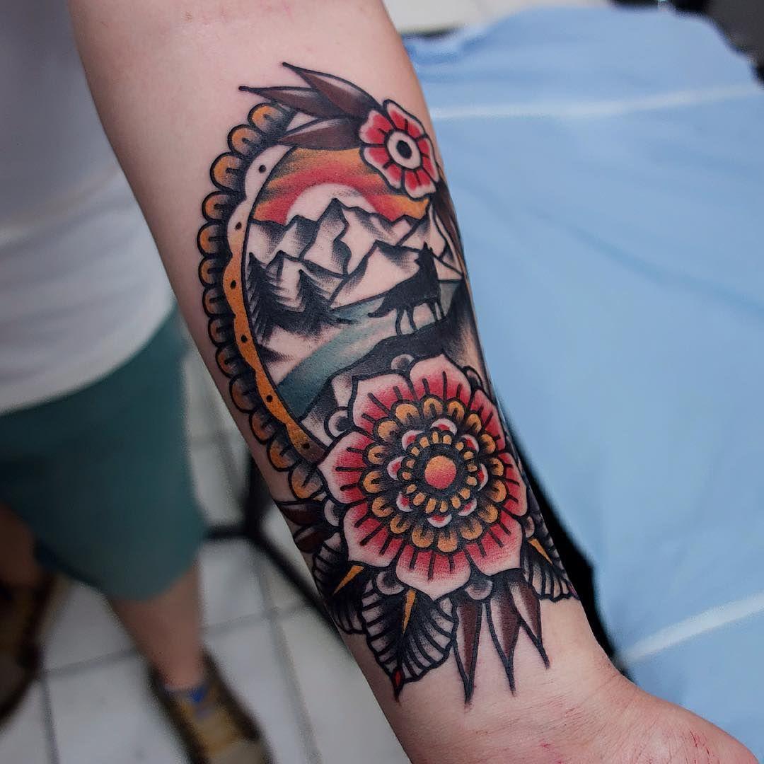 Tattoo main galerie tatouage for Main street tattoo