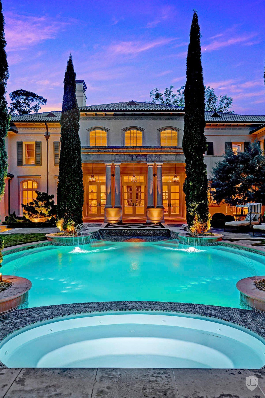 Mediterranean Villa Houston Us On Jamesedition Cypresses Poolside Backyard Swimming Pool Designs Amazing Swimming Pools Pool Designs
