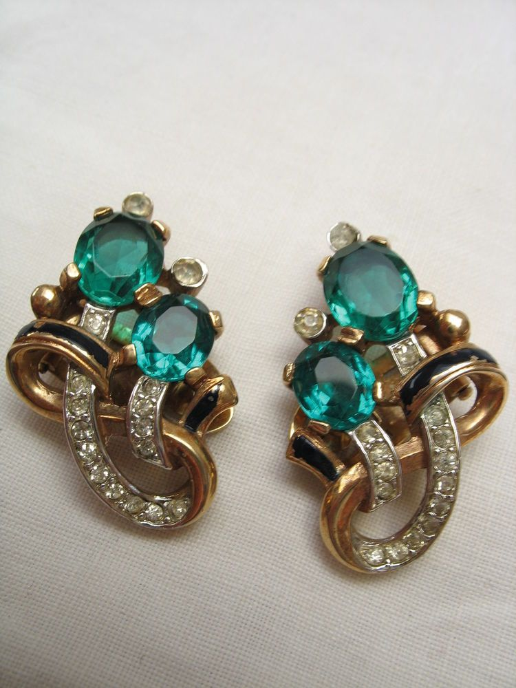 Crown Trifari Emerald Green Rhinestone And Enamel Clip Earrings