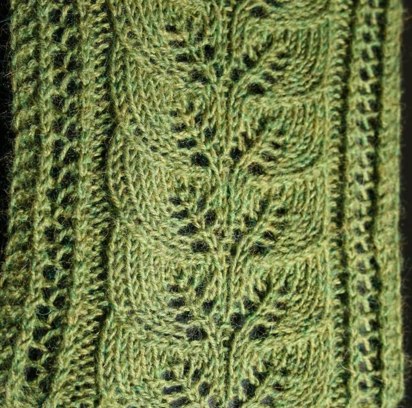 Brooke\'s Column of Leaves Knitted Scarf Pattern | Knitting: Scarves ...