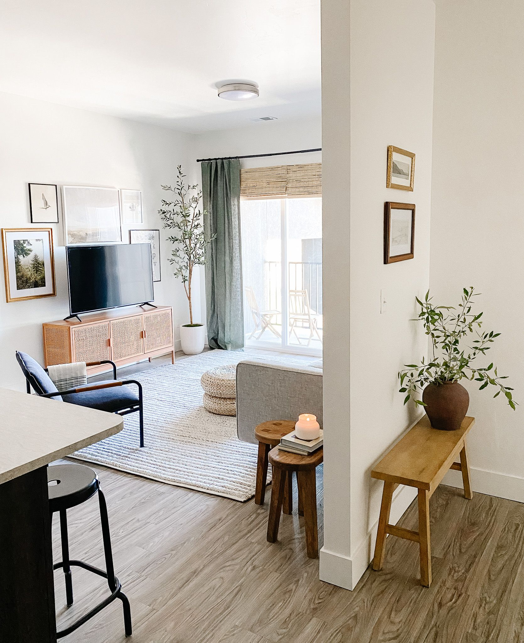 """""""Decorating My First Apartment"""": A lesson in budget-friendly classic pieces and creating moments"""