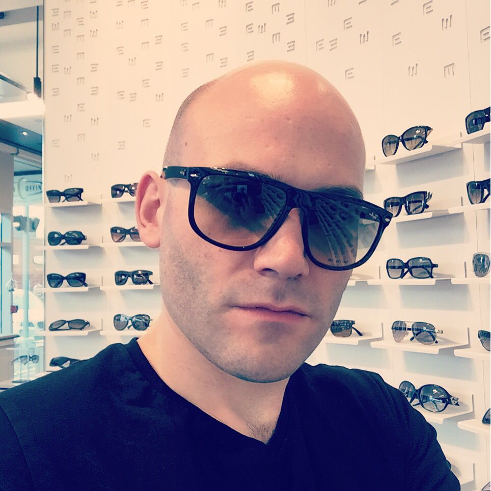 Rayban style! So trendy in Europe! What are you waiting Quebec????