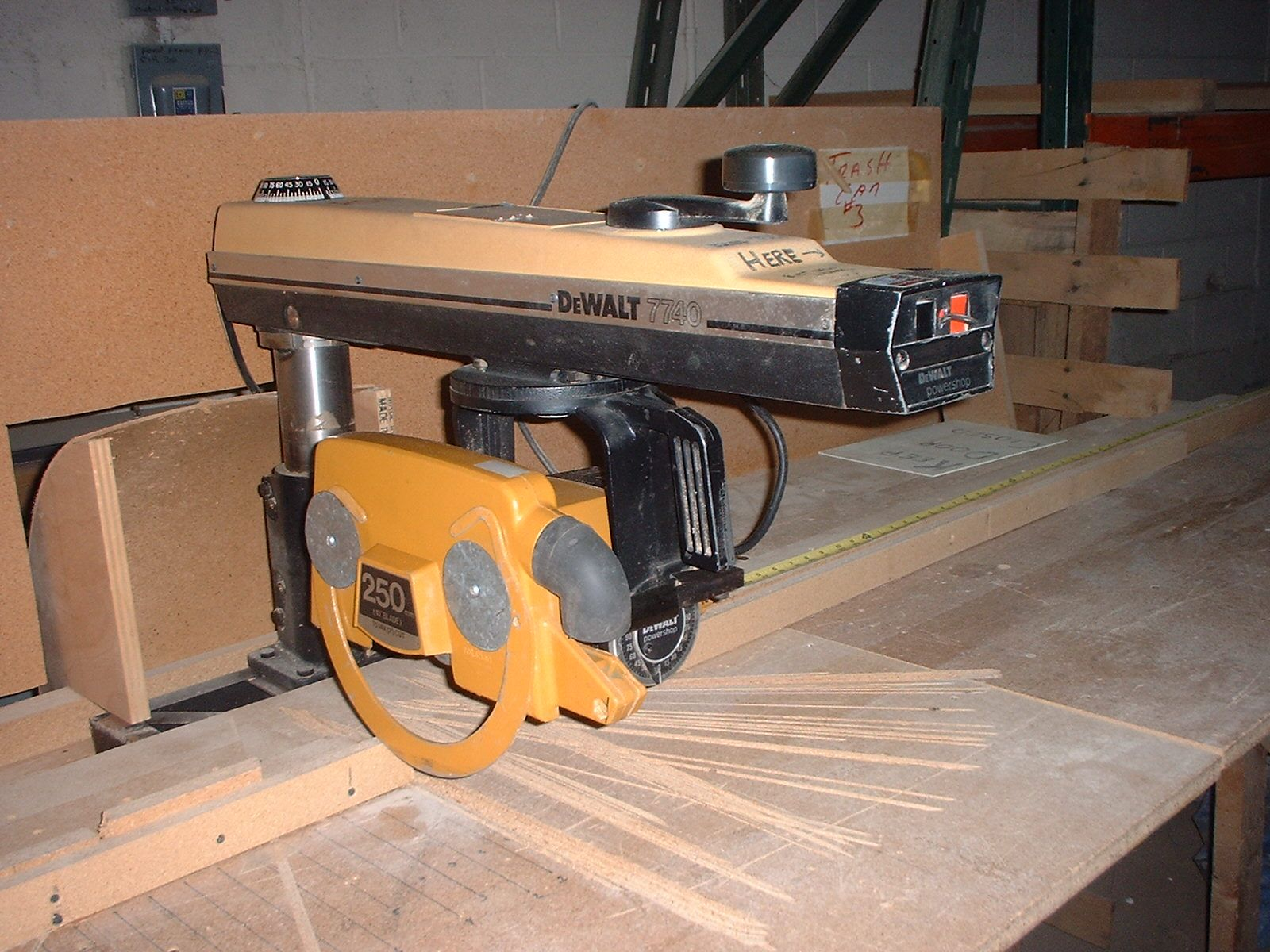 Dust Collector Radial Arm Saws Buscar Con Google Radial Arm Saw Saws Miter Saw