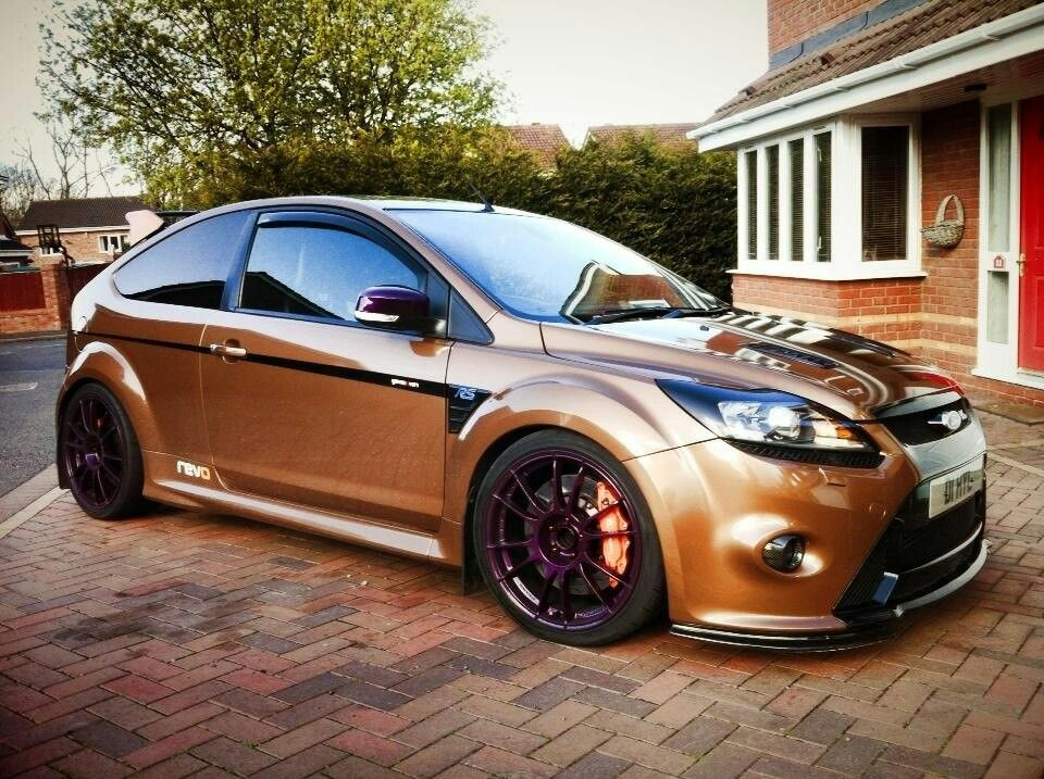 Ford Focus Rs Wrapped Bronze And Purple Ford Focus Rs Ford Focus Ford Motorsport