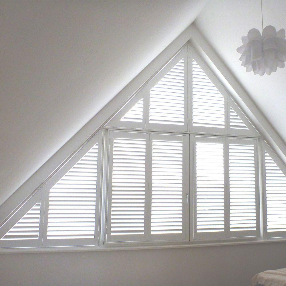 schuine shutters in de slaapkamer zijn ideaal om de vaak