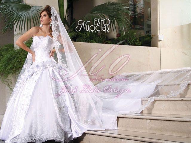 espectacular vestido de jose luis ortega con velo estilo catedral