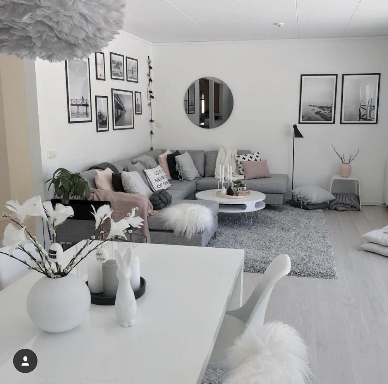 Pin by Matea on Interior design/ organization   White living room ...