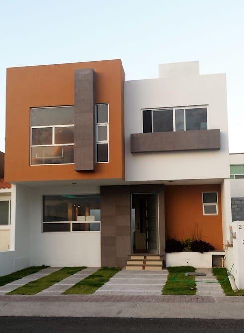 Acabados en muros exteriores en fachadas fachadas de for Disenos de exteriores para casas pequenas