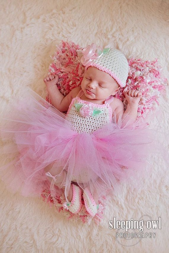Crochet baby dress, newborn baby dress, pink baby dress, white ...