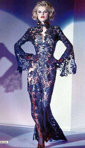 nadja auermann Michael Thierry black lace dress george michael - Buscar con Google
