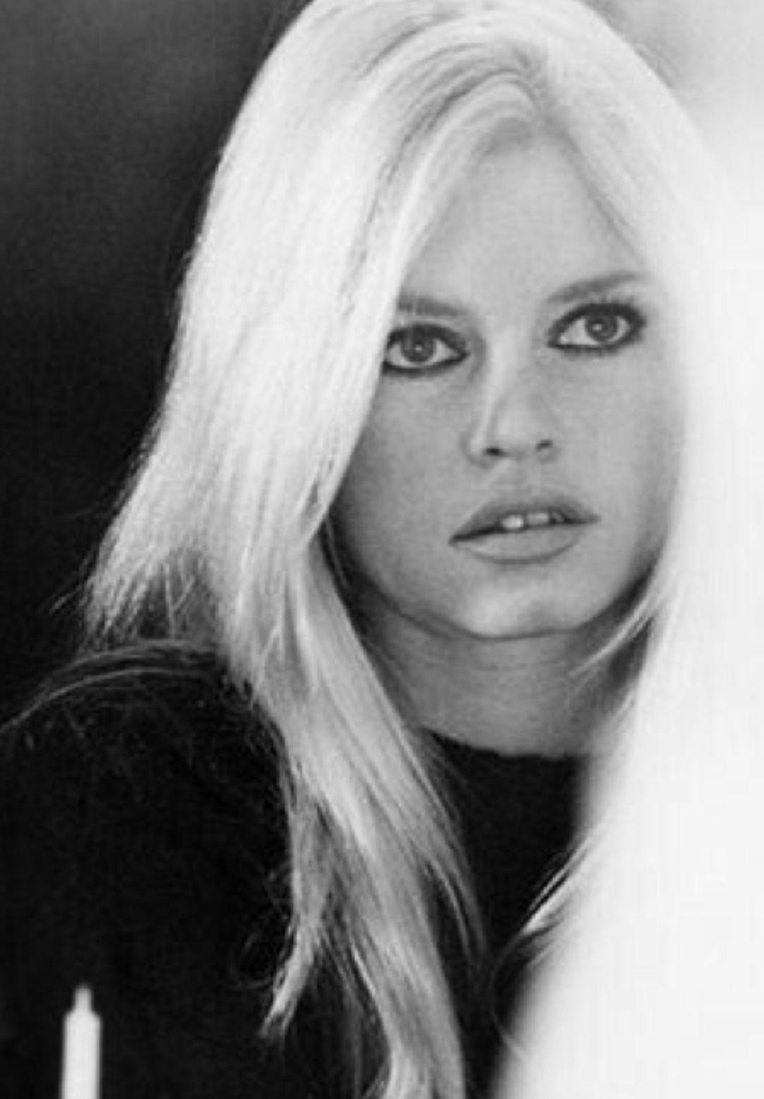 Epingle Par G Sur Brigitte B B Hubsch Hubsche Bridgitte Bardot Bridget Bardot Brigitte Bardot