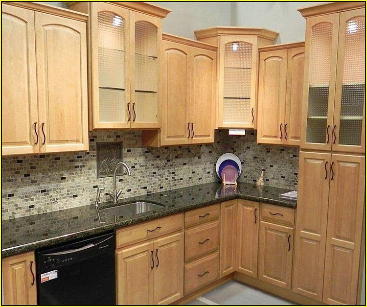 kitchen backsplash ideas with maple cabinets home design ... on Maple Cabinets With Backsplash  id=29923