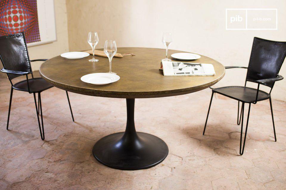 Round Table La Mesa.Mesa Redonda Liverpool Integrando Una Mesa Industrial En Un Hogar