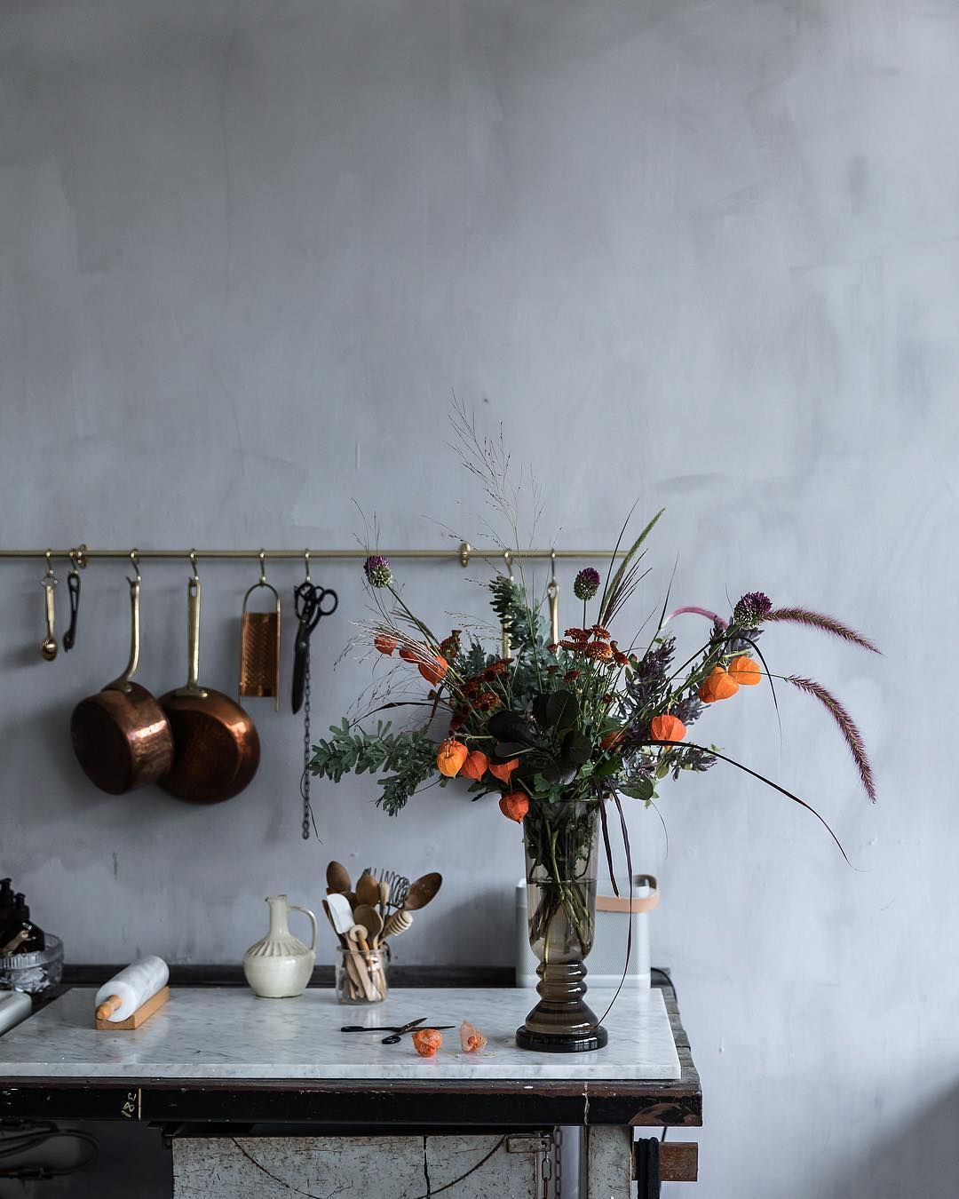 Autumn bouquet for a client shoot in the studio kitchen today. Hope ...