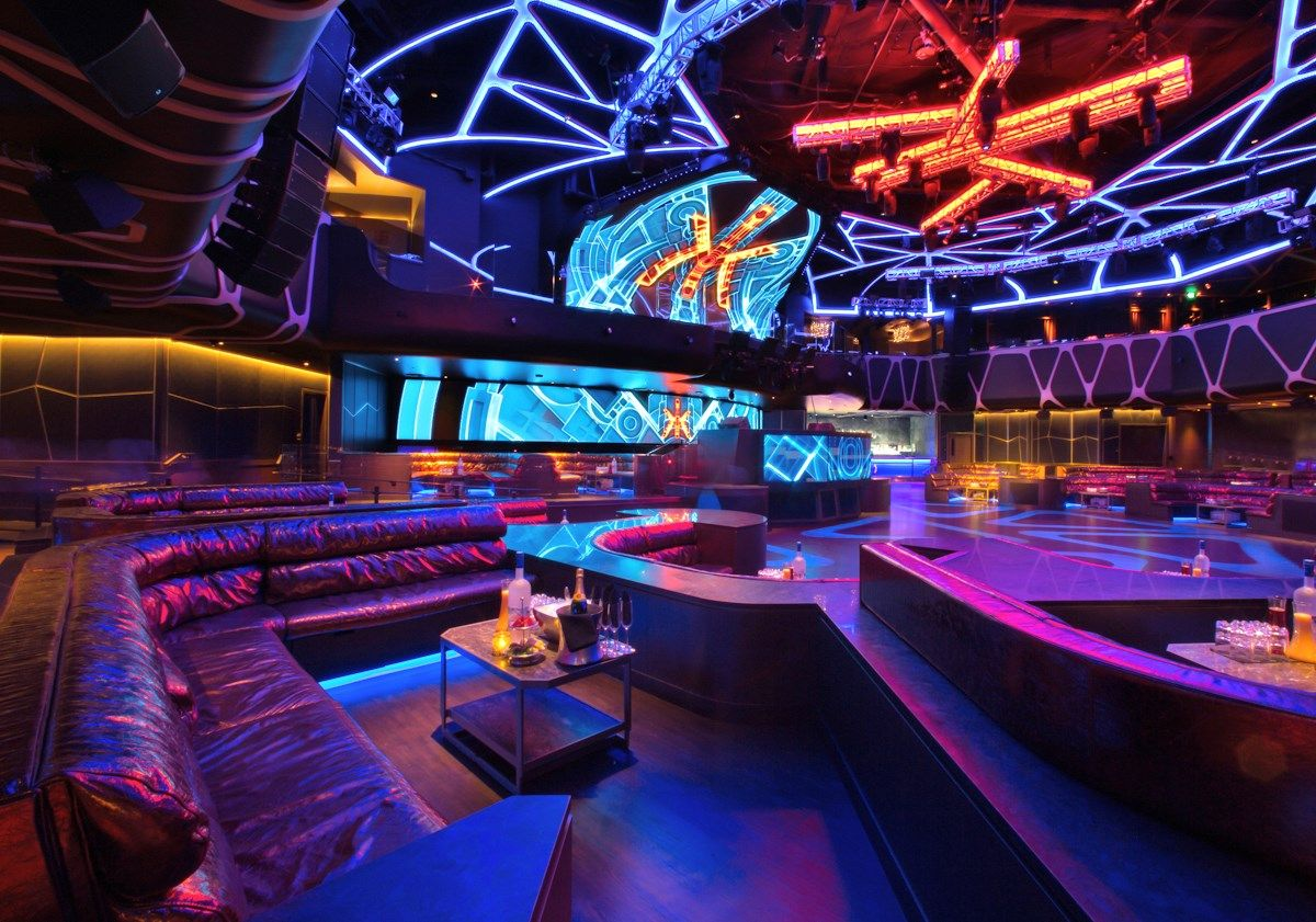 Sala De Bebidas 2 Andar In 2020 Nightclub Design Club Design Lounge Design