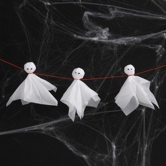 Spøgelser af silkepapir med rulleøjne #kastanjeideer Gør halloween uhyggelig med hjemmelavede spøgelser af silkepapir og hæng dem op som pynt. #cchobby #kreatid #diy #halloween #spøgelser #deguisementfantomeenfant Spøgelser af silkepapir med rulleøjne #kastanjeideer Gør halloween uhyggelig med hjemmelavede spøgelser af silkepapir og hæng dem op som pynt. #cchobby #kreatid #diy #halloween #spøgelser #deguisementfantomeenfant