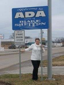 Blake Shelton Sign In Ada, Oklahoma | Oklahoma Home Town-Ada in 2019