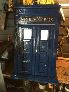 c5c28e9d7b Step by step of how I made a Tardis letter box. | Doctor Who ...