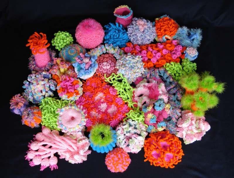 Ildiko knitting crochet textile art - Freeform | Crochet Corals ...