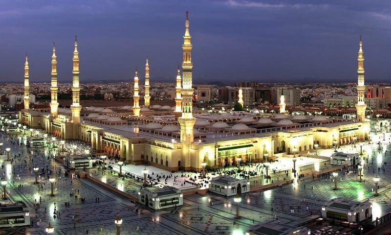 المسجد النبوي الشريف في المدينة المنورة السعودية Istanbul City Paris Skyline Islamic Pictures