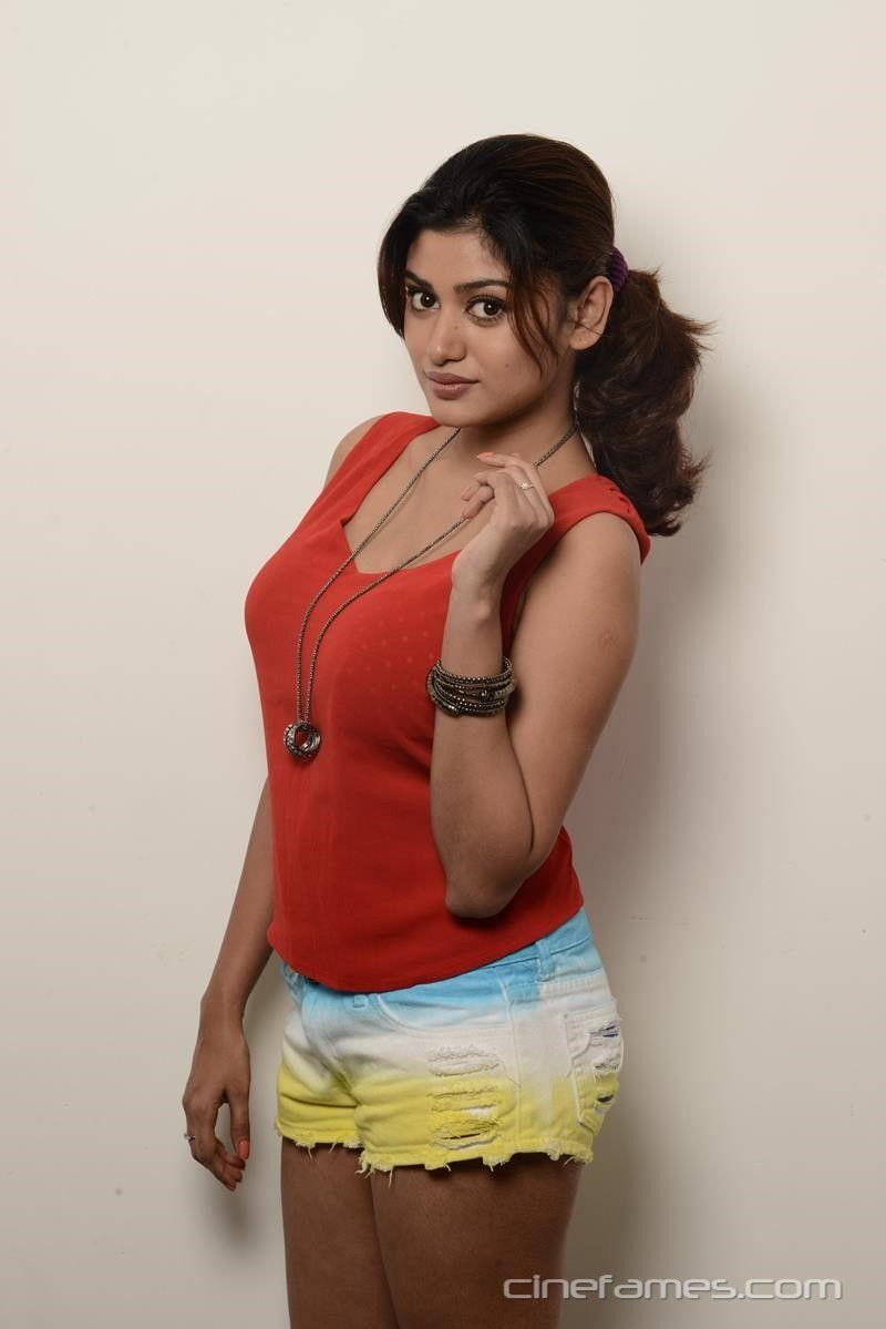 Nice Tamil Actress Oviya New Hd Photos