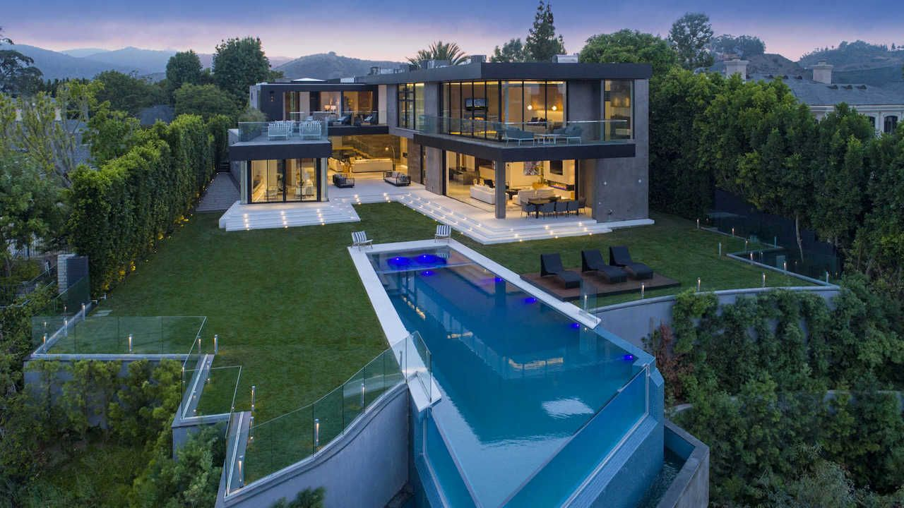 New Los Angeles Mansion Hits Market For 21m Mansions Modern Mansion La Mansions