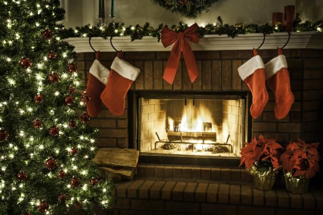 34 Easy and Elegant Christmas Mantel Ideas Christmas mantels