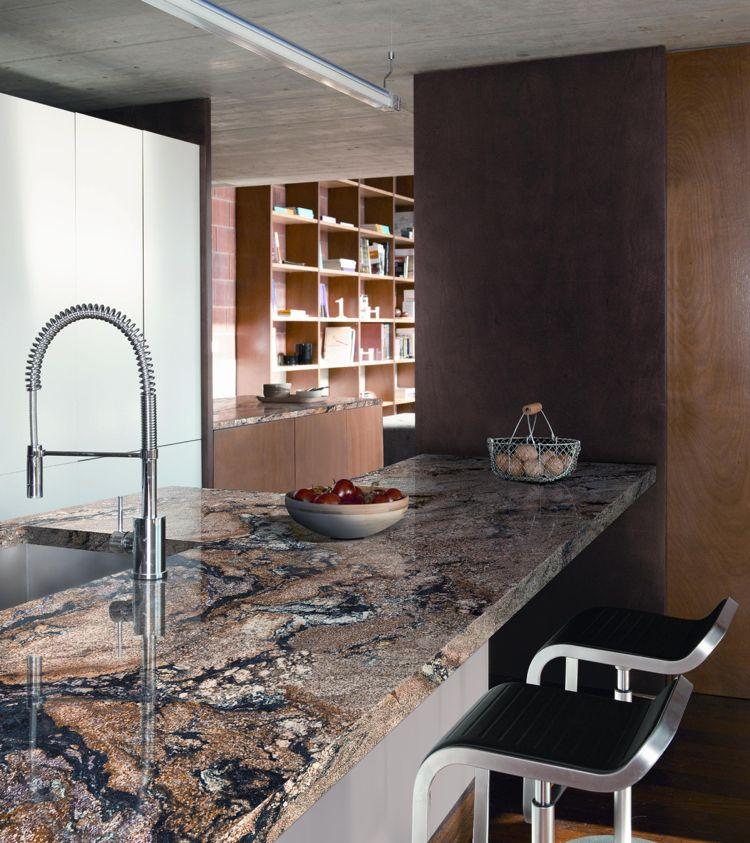 Arbeitsplatte Granit Kueche Braun Schwarz Maserung Kuchentheke Arbeitsplatte Kuche Granit Granit Kuche Moderne Kuche
