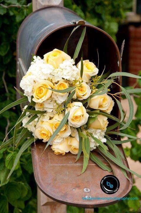 #countrycharm #flowers #roses
