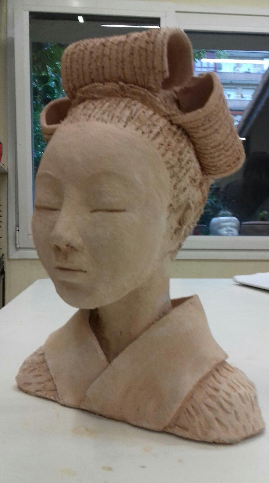 pingl par nancy fleming sur beautiful pinterest buste visages et poterie. Black Bedroom Furniture Sets. Home Design Ideas