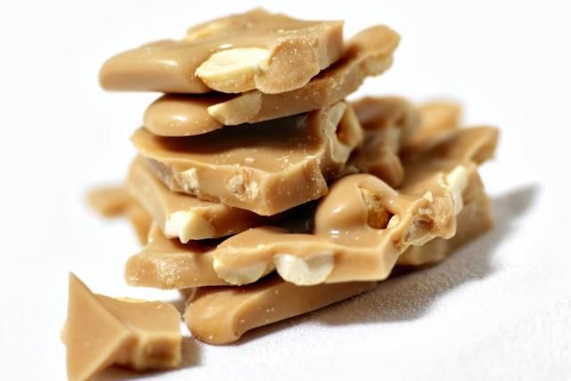 Who Needs Peanut Brittle Give Macadamia Nut Brittle A Try Instead Recipe Brittle Recipes Peanut Brittle Food