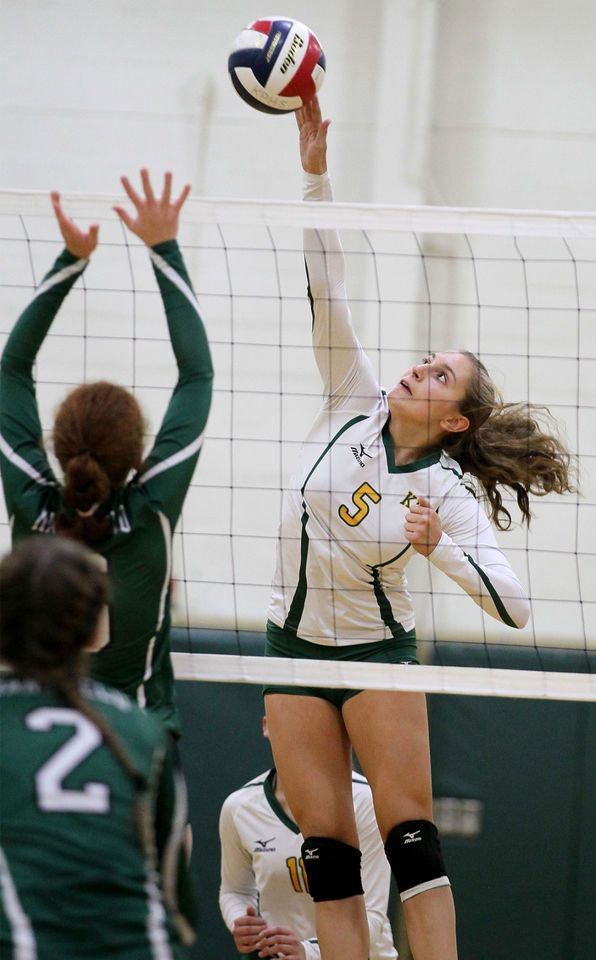 Wrentham Playing On Their Home Court The Kelley Rex Division Leading King Philip High Volleyball Team Avenged An Early Volleyball Volleyball Team Mansfield