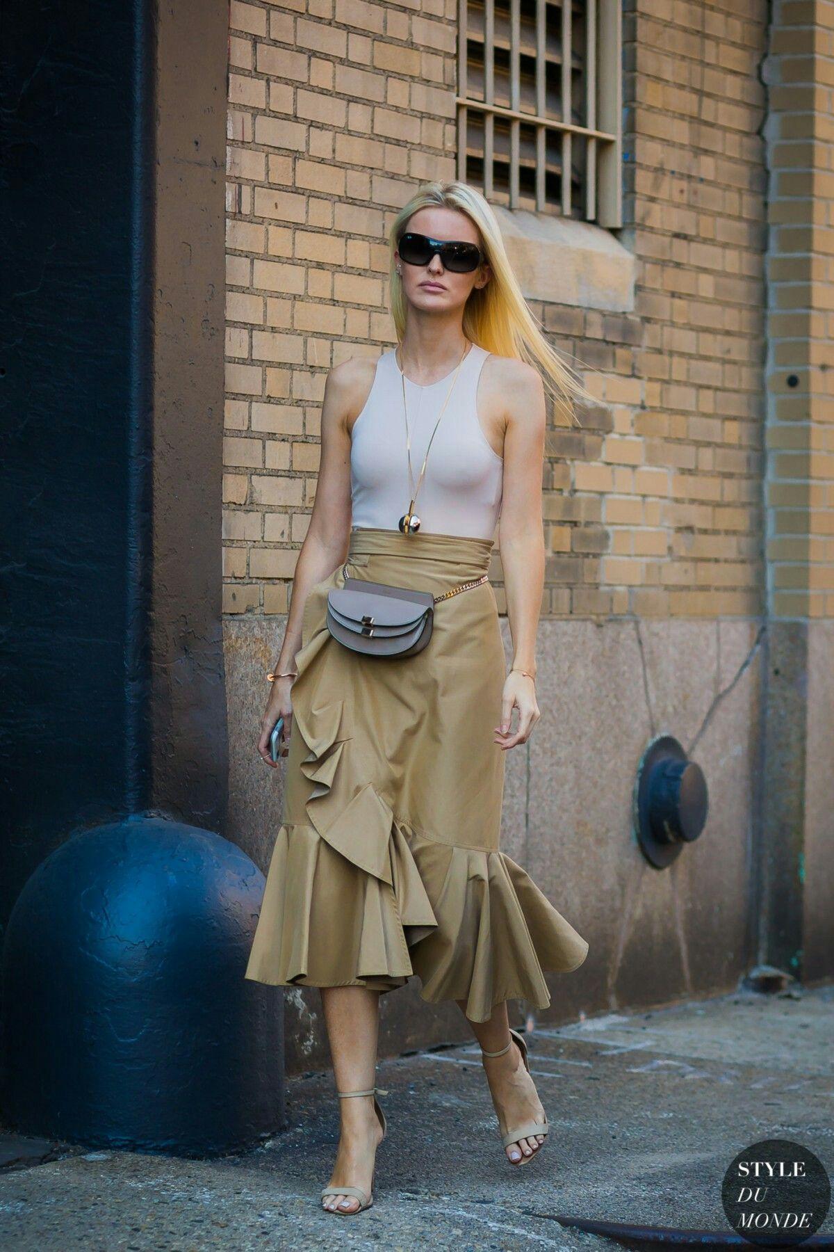 Body, wrap skirt with ruffles