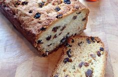 This cake has very little sugar as it gets all its sweetness from the natural honey. The plump raisins add to the moist texture, making this a great teatime choice with a warm cup of tea and some company. This cake is moist and moreish packed with plenty of flavor and is well worth the wait once it�s in the oven. It will leave your house smelling of a deliciously sweet, honey infused smell that is sure to catch your heart.