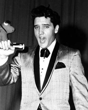 MEMPHIS, SATURDAY, FEBRUARY 25, 1961 - THE CHARITY SHOWS......<3 Elvis went on to perform at 3 PM and at 8 PM in Ellis Auditorium's North Hall The Afternoon chow......<3