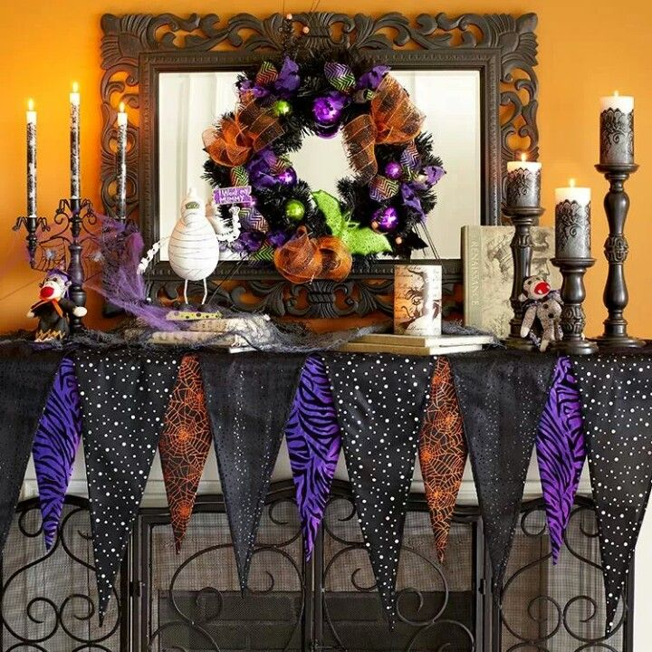 Halloween mantle HALLOWEEN Pinterest Mantle, Holidays and