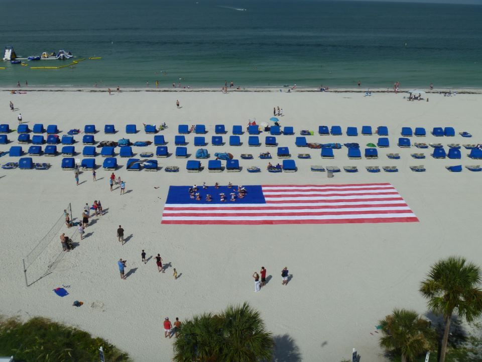 Tradewinds Island Resort On St Pete Beach Used 975 Towels To Create