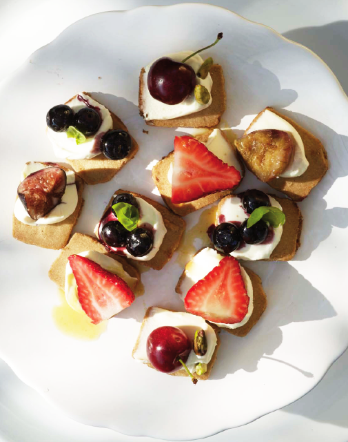 FIG & OLIVE, Fruit Crostini Plate