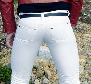 if you love your testicles you'll ditch the tight jeans ...
