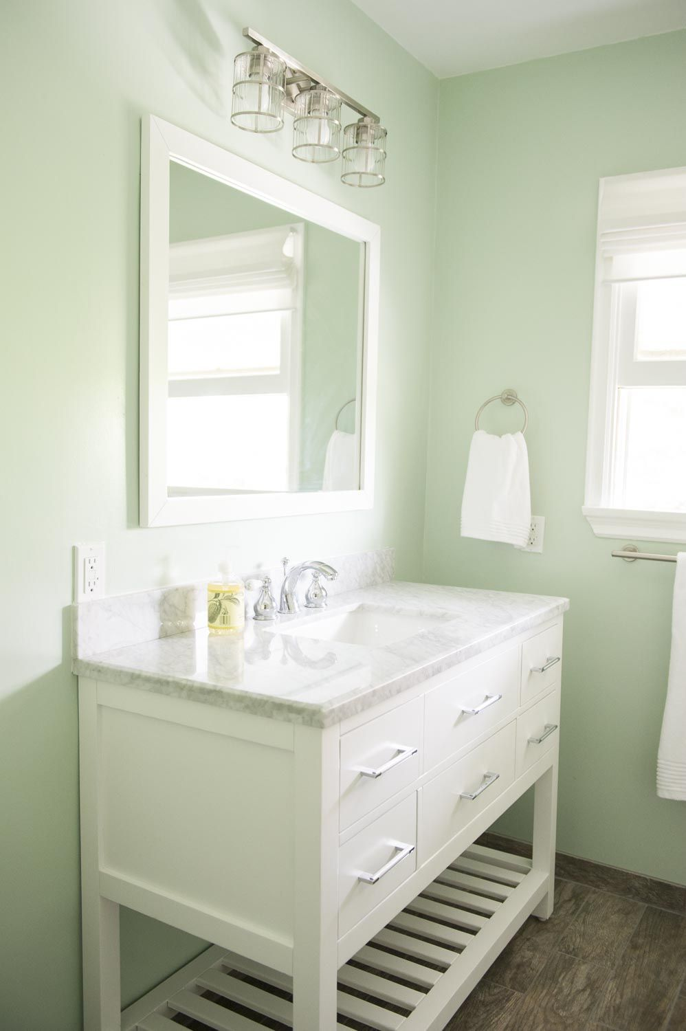 Benjamin moore paint home depot - Paint California Bathroom Remodel Vanity Home Depot Caroline Estate 48 Faucet
