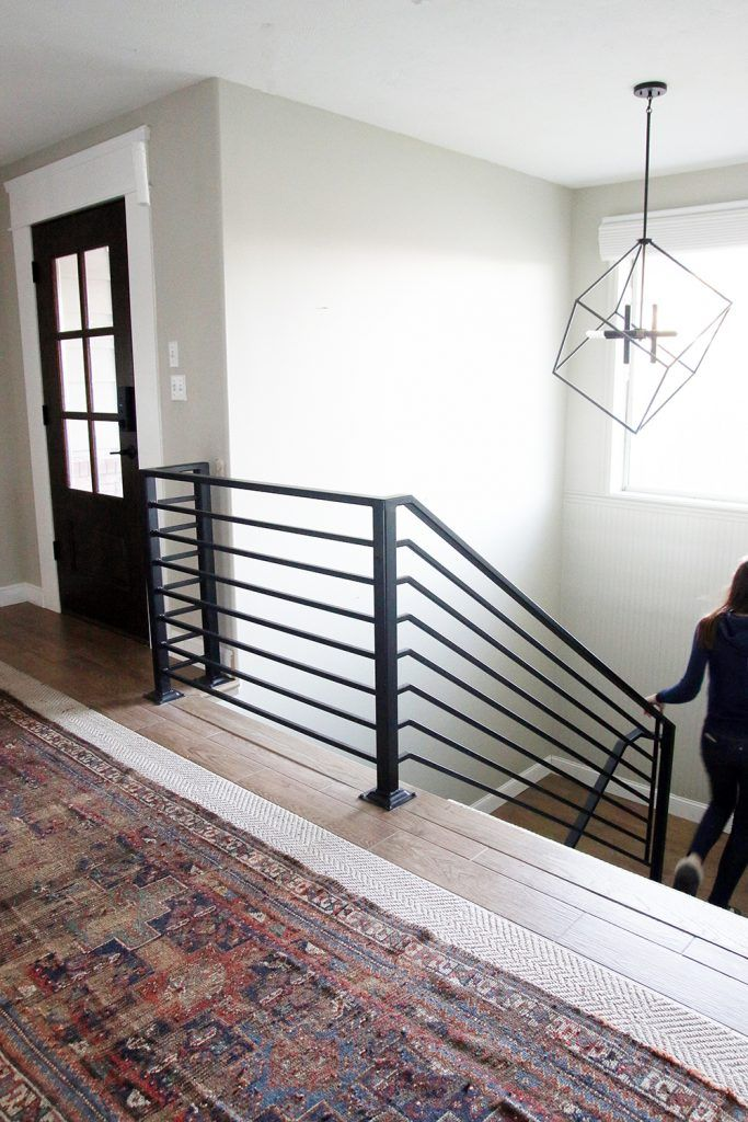 Best All The Details On Our New Horizontal Stair Railing With Images Modern Stair Railing 400 x 300