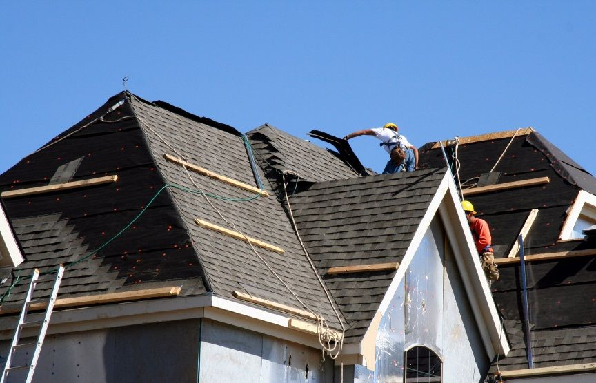 U S Shingle Roofing Boise Id Understands That Clean Up After The Job Is One Of The Homeowner S Biggest Concerns Roofing Contractors Roofing Roof Installation