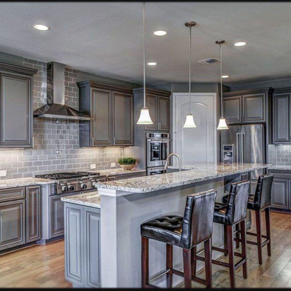 grey kitchen cabinets and backsplash   Gray and white ...