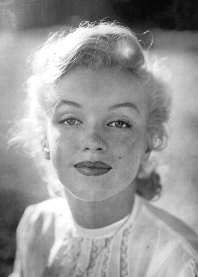 Marilyn Monroe photographed by J. R. Eyerman circa 1950. - #1950s #50s #classic #close #closeup #details #eyerman #face #hollywood #images #jr #marilyn #monroe #photos #pics #pictures #portrait #portraits #UP #young