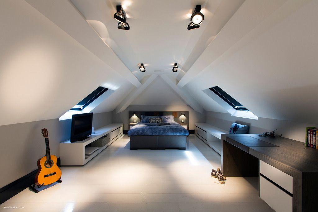 Custom Details Create A Visual Feast In Minimalist Home Zolder Verbouwen Zolder Inrichten Zolder Slaapkamer
